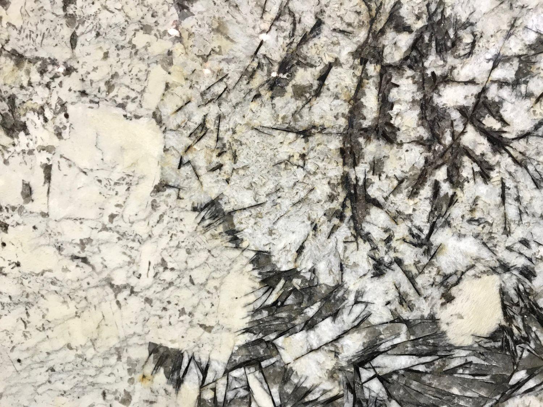 WHITE CHAMONIX